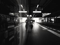 Waiting room (ZinckPhotography) Tags: blackwhite blackandwhite bw sw street artistic worls world berlin city urbanphotography urban shadows shady silhouette lighting architektur architecture indoor interesting photography photooftheday amateur snapshot composition contrast blackandwhiteonly blackice black wind winterphotography winter cold schwarzundweis freezing schwarz weis streetphotography streetart cityscape cityphotography cityscrape einfarbig gebäude himmel uhr landstrase stadt personen decke