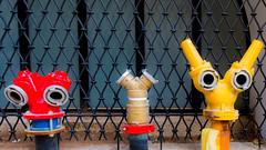 Mos Eisley Cantina? (ToDoe) Tags: barscene bar aliens creatures kopfgeldjäger hunters hunter anschlüsse anschluss wasser zwielichtig lustig ironisch ironie whotheyare three drei eyes nicetomeetyou emergency niedlich süs augen starwars kriegdersterne models vorbilder inspiration