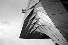 L2990326 (RG-Photographie) Tags: 35mm analog argentique film leica leicam2 lyon rollei rpx100 summicron summicron35mmasph architecture modernarchitecture modern