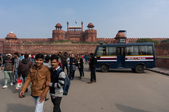 Red Fort, Delhi (VoLGio) Tags: india delhi olddelhi newdelhi redfort fuerterojo fortaleza fortress indians hindi hindus delhipolice police indianpolice sonynex6 sony sony1650 nex6 asia