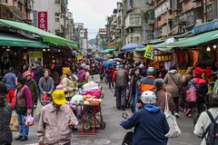 Street beside the conventional market (Liang Hung Ma) Tags: streetvendor coldoutside winter people morning clothes food street