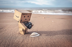 He Snaps Sea Shells. (Matt_Briston) Tags: big danbo robot sand sea shell shore snaps camera holkham beach walk matt cooper fuji x70