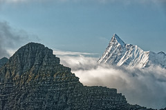 Alpine morning (Tjaldur66) Tags: mountains swissmountains swissalps berneseoberland finsteraarhorn morning fog peaks snowypeak faulhorn outdoor hiking hdr tonemapping rocks rockwall