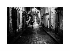 Montmartre (Punkrocker*) Tags: contax aria cy yashica ml 50mm 5014 film kodak trix pushed 1600 nb bwfp monochrome street city people night montmartre paris france