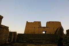 IMG_E0369 (Peter Chou Kee Liu) Tags: 2019 02 egypt west bank nile temples
