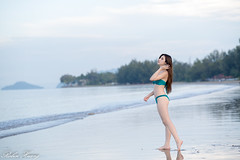 DSC_8854 (Robin Huang 35) Tags: 亞庇縣 沙巴 馬來西亞 my 謝立琪 kiki sabah malaysia 丹絨亞路 海邊 海灘 沙灘 泳裝 比基尼 bikini 遊拍 人像 portrait lady girl nikon d850 beach 亞庇