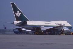Saudia Boeing 747SP-68; HZ-HM1@FRA, August 1983 (Aero Icarus) Tags: frankfurtinternationalairport fra rheinmainflughafen slidescan plane avion aircraft flugzeug saudia boeing747sp hzhm1