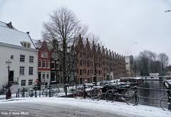 Achtergracht. Amsterdam 22-1-2019 (k.stoof) Tags: sneeuw snow winter achtergracht amsterdam brug bridge fiets bike pakhuis