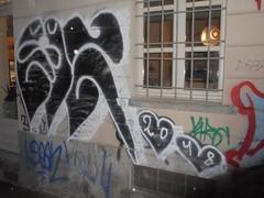 1176 (en-ri) Tags: ms bianco nero 2018 cuoricini throwup torino wall muro graffiti writing