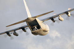 Loadmaster (Arndted) Tags: lockheedc130hercules lockheed lockheedc130h2hercules c130h2 c130 hercules tp84hercules tp84 swedishairforce swaf sweden sverige flygvapnet flygplan flying loadmaster aircraft airshow airplane aviation airforce flygfesten2018dalajärna flygfesten2018 flygfesten dalajärna nikon d300s sigma 150600mmf563dgoshsmsport