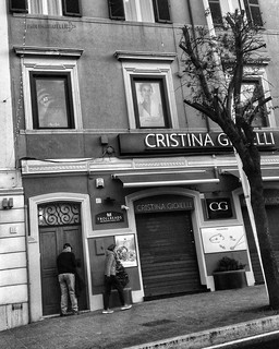 """C'È GULLIVER?"" XLVIII/7 #artcontemporary #urban #photography #photographer#fotografiaartistica#photooftheday #photographers #artphotography#fotografia#photoart#photo #city #arte #artecontemporanea #arteconcettuale #conceptual_art_gallery#artgallery  #pao"