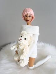 My teddy bear (Deejay Bafaroy) Tags: fashion royalty fr integrity toys doll puppe barbie dominique head kopf mtmbody wig perücke cultedeparis portrait porträt black schwarz white weiss pink rosa teddy teddybear teddybär