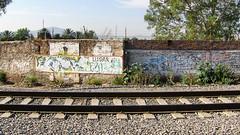 The Wrong Side of the Tracks (Querétaro 4 May 2007) (Carl Campbell) Tags: querétaro mexico railway
