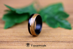 Alliance en Ebène, Merisier et fil d'or (Taamak) (Taamak jewerlry) Tags: engament mariage macro amour artisanat nature natural abre wedding jewelry jewel jewels wood couple travel photography photographer bijou bijouterie flower bague