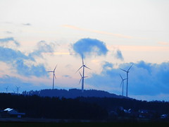 Windräder am Heimweg geknipst (elisabeth.mcghee) Tags: himmel sky abendhimmel abendrot sunset sonnenuntergang wolken clouds oberpfalz upperpalatinate windräder windmills vorbach
