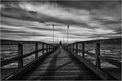 Seebrücke Weißenhäuser Strand (geka_photo) Tags: gekaphoto weisenhäuserstrand schleswigholstein deutschland meer ostsee wolken seebrücke schwarzweis