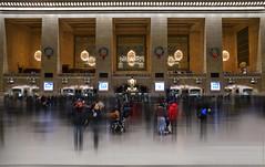 "NYC - Sensaciones dentro de ""Grand Central Station""  # 022 (ricardocarmonafdez) Tags: newyork manhattan grandcentralterminal gct people gente urbanscape ciudad city arquitectura architecture streetphotography color movimiento movement edition effect lowlight highiso nikon d850 24120f4gvr"