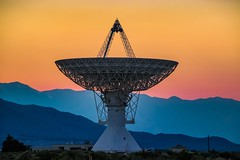Sunset Colors at The Owens Valley Radio Observatory (RS2Photography) Tags: rs2pics flickr photo natur nature photography owensvalleyradioobservatory blue outside new orange california bigpine 40metertelescope ovro dish telescope radiotelescope canonusa canon sierranevada easternsierras sunset owensvalley easternsierra caltech