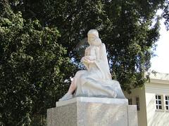 Sculpture by the Parque del Tren Blindado (wallygrom) Tags: cuba jibacoa santaclara cheguevara statue sculpture trenblindado