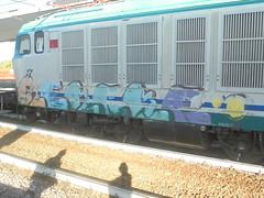 862 (en-ri) Tags: kekeke giallo lilla nero arancione verde train torino graffiti writing locomotiva locomotore locomotrice