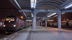 Railjet Bratislava (Albert Koch) Tags: bratislava railjet taurus öbb rjx train platform night locomotive siemens