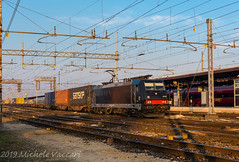 484 105 (atropo8 - fb.me/maniallospecchio) Tags: 484105 oceanogate ocg train treno zug merci freight cargo tc container verona veneto italy nikon