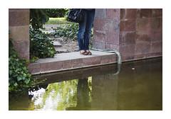_PRE6619 (Jordane Prestrot) Tags: ♍ jordaneprestrot riehen fondationbeyeler musée museum museo water eau agua portrait retrato jambe leg pierna