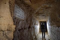Rue Jacques sous les Bénédictins Anglois (flallier) Tags: paris souterrain underground limestone quarry carrière souterraine calcaire catacombes catacombs galerie tunnel silhouette plaque gravurelapidaire gravure inspection igc nikon d800 zeiss distagon
