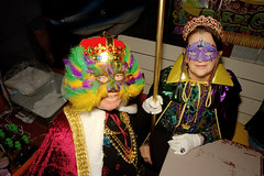 Mardi Gras (Fitzsimmons Photography (FitzPhoto)) Tags: mardigras dockside resturant tikibar celebrate people sitting fun dressup sit seated