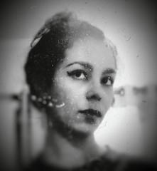 Testing the makeup (I'mCarina️️ ✭) Tags: maquiagem makeup espelho mirror olhos eyes pessoa person mulher woman eu me myself autoretrato selfportrait branco black blackandwhite bw white preto pretoebranco vintage retro antigo velho brasil brazil br ♥brasil arte art