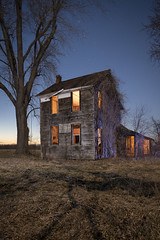 Illuminated Home Warm-Cool (Notley Hawkins) Tags: httpwwwnotleyhawkinscom notleyhawkinsphotography notley notleyhawkins 10thavenue rural missouri bottomland riverbottoms missouririverbottoms abandoned missouriphotography lightpainting 光绘 光繪 lichtmalerei pinturadeluz ライトペインティング प्रकाशपेंटिंग ציוראור اللوحةالضوء longexposure evening dusk trees 2019 sky quantumtrio sunset warmcool warmlight coollight chamoismissouri osagecountymissouri osagecounty march canontse24mmf35lii