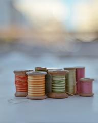 Carreteles (Irene Carbonell) Tags: carreteles hilos vintagelove vintage colores 50mm nikon