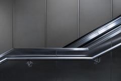 upwards (rooibusch) Tags: rolltreppe handlauf geländer wandverkleidung