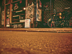 ([gegendasgrau]) Tags: kopenhagen copenhagen københavn fahrrad bicycle bike bakery shop bricks asphalt samsungl110 tagging streetbombing graffiti vandalism vandalismus paint urbanart urban urbanlife urbandecay decay verfall architecture architektur gebäude building streetstyle streetlife street wall photography fotografie explore mood moody ambiance atmo atmosphere atmosphäre feeling flavour documentation dokumentation reportage lifestyle umwelt environment wetter weather stimming beautiful nacht night nachtfotografie nightphotography nightshot darkness dunkelheit lowlight light licht denmark