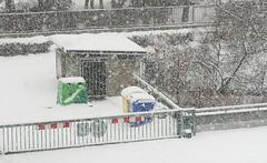 019Jan 08: Recycling Court under Snow (Johan Pipet 2M+ views) Tags: flickr snow sneh blizzard house urban city dom dubravka bratislava winter zima koprivnica yard slovakia slovensko eu europe palo bartos bartoš canon g7x mark2 home doma fujavica court dvor