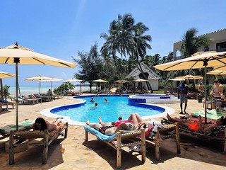 Reef & Beach Resort pool