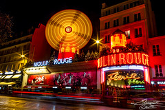 Moulin Rouge (Ely 968) Tags: paris city night light longexposure moulinrouge colors red led street cars christmas magic atmosphere