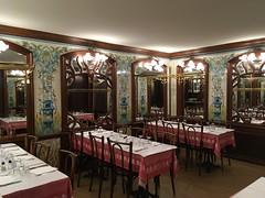 Bouillon Chartier, ex restaurant Montparnasse 1900 - Boulevard du Montparnasse, Paris VIe (Yvette G.) Tags: paris paris6 restaurant belleépoque artnouveau montparnasse1900 bouillonchartier céramique faïence carrelageancien