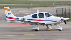 Cirrus SR22 F-GKCI Cassidian Aviation (William Musculus) Tags: william musculus airport plane aviation airplane spotting cirrus sr22 fgkci cassidian strasbourg entzheim sxb lfst faf french air force