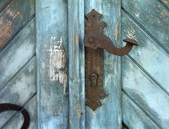 Door detail (Nikos.K.) Tags: piraeus 2019 door handle greece film 120 mediumformat 645 fuji velvia rdp