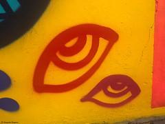 yeux-rouge-jaune© (alexandrarougeron) Tags: photo alexandra rougeron ville paris art urbain flickr style création rue