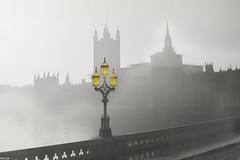 ... nebulous ... (wolli s) Tags: london housesofparliament lamp england vereinigteskönigreich gb fog nikon d7100