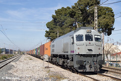 PELIGRO (ɢ. ʙᴇʀᴇɴɢᴜᴇʀ [ ō-]) Tags: 319212 locomotive rosco tr teco railway railroad 319 retales 212 tren ferrocarril estación peligro señal benifaió valencia fsl grey