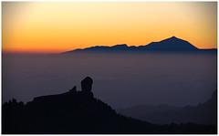 Roque Nublo y Teide (LeonardoDaQuirm) Tags: grancanaria mountains landscape spain espana canarianisland teide roquenublo sunset