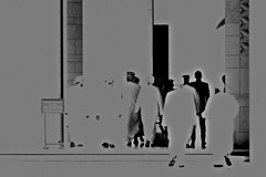 Oman 2018 - Mascate - La Grande Mosquée Sultan Qaboos (philippebeenne) Tags: oman mosquée sultanqaboos grandemosquée mascate muscat intérieur noirblanc blackwhite nb bw