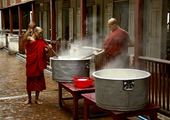 Monks Making Food At Mahagandayon Monastery In Amarapura, Myanmar (Eric Lafforgue) Tags: asia myanmar burma tourism religion faith buddhism amarapura monastery mahagandayon traditionallymyanmarian vibrantcolor photography men novicebuddhistmonk robe colorimage shavedhead traditionalculture red monkreligiousoccupation southeastasianethnicity spirituality realpeople traditionalclothing religiousoccupation burmesemonk barefoot inarow food kitchen lunch lunchbreak foodanddrink middaymeal horizontal colourpicture traveldestinations asian twopeople outdoors burma6646