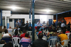 Técnicos da Prefeitura se reúnem com moradores do Pegorelli para tratar de obras no bairro (Prefeitura de Caraguatatuba) Tags: técnicos prefeitura moradores pegorelli obras bairro caraguatatuba caraguá
