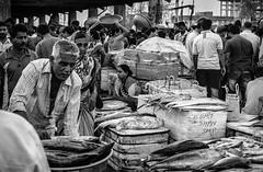 Mumbai (LXXXVIII) (manuela.martin) Tags: bw blackandwhite schwarzundweis streetphotography india mumbai hipshots hasselblad x1d mittelformat mediumformat