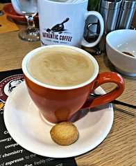 2019 Sydney: Mikel Coffee Cafe (dominotic) Tags: 2019 food drink mikelcoffeecafe flatwhite shortbread iphone8 foodphotography coffeeobsession yᑌᗰᗰy fivedocksydney sydney australia