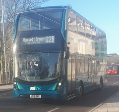Southampton Unilink 1209 is on Blechynden Terrace while on route U2B to Bassett Green via University. - HF18 FEK - 9th January 2019 (Aaron Rhys Knight) Tags: southamptonunilink 1209 hf18fek 2019 blechyndenterrace southampton hampshire goahead gosouthcoast alexanderdennis enviro400mmc